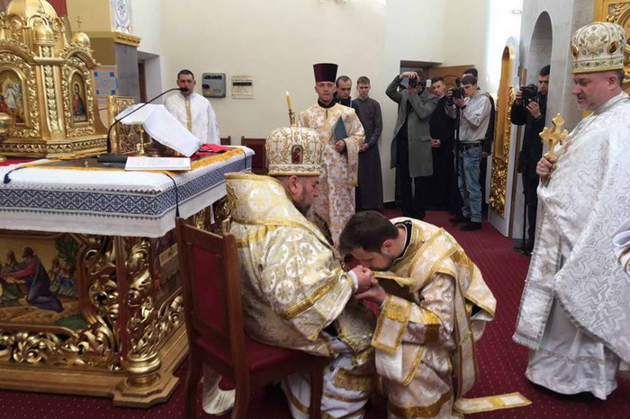 Митрополит Василій рукоположив нового священика